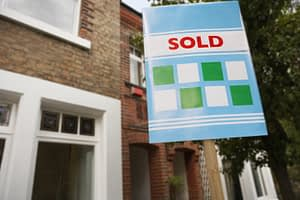 How a bridging loan can help with rising completion times