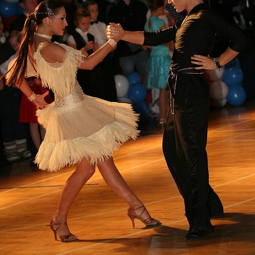 Szkoła Tańca - Wieczysty - Tańce latynoamerykańskie - para taneczna