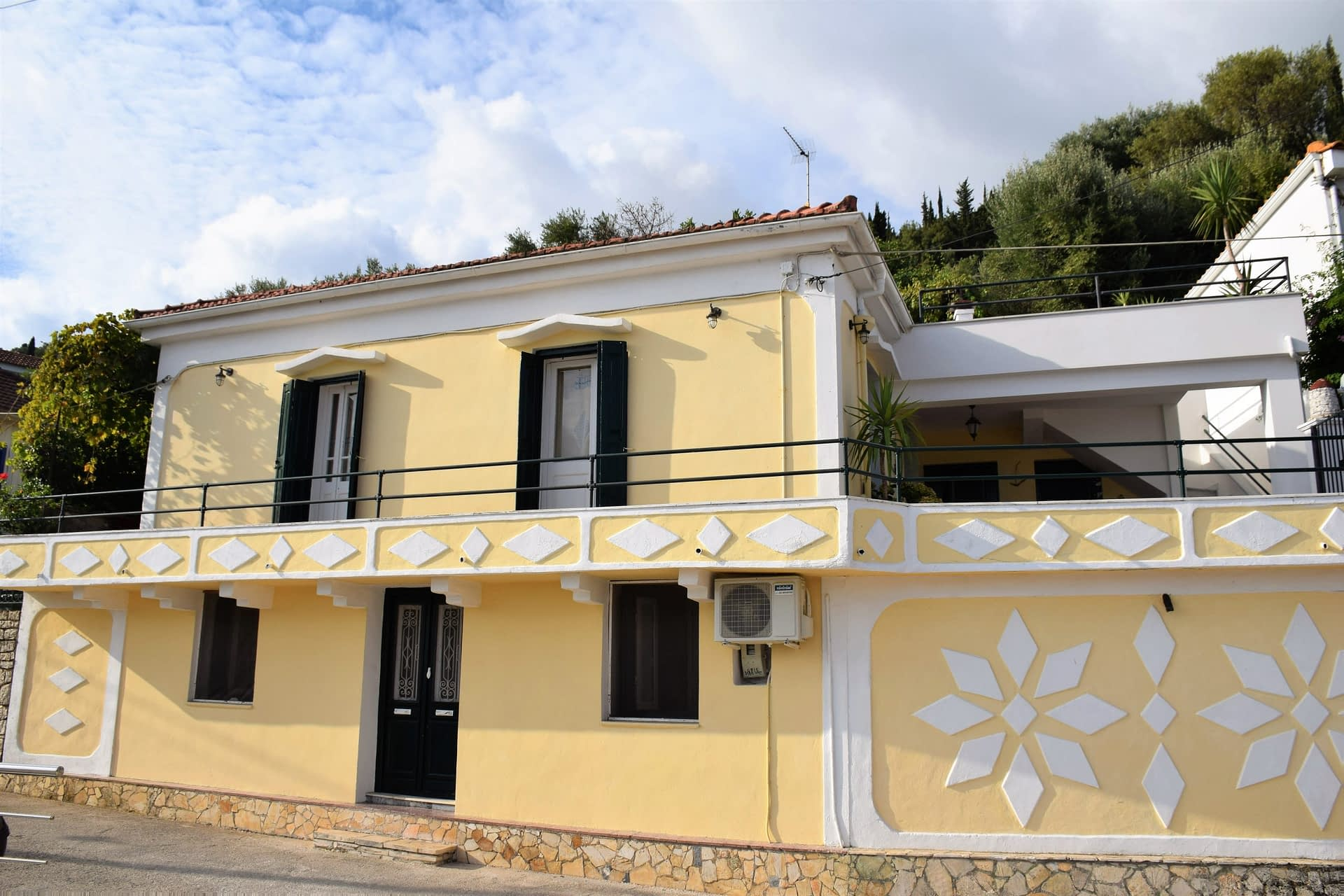 Exterior of house to rent in Ithaca Greece, Kioni