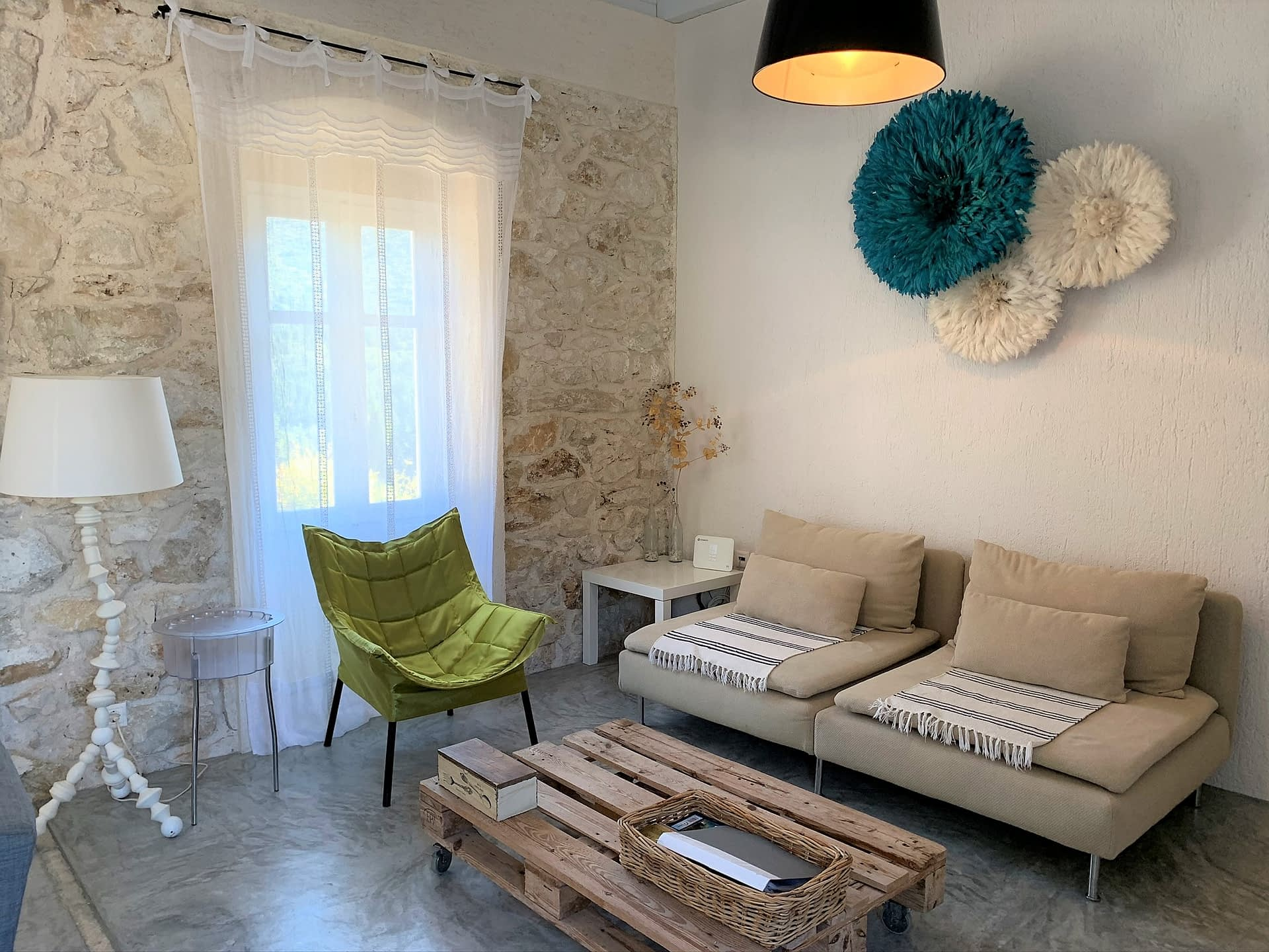 Open plan kitchen and dining area at Villa Kalos for rent, Ithaca Greece Lahos