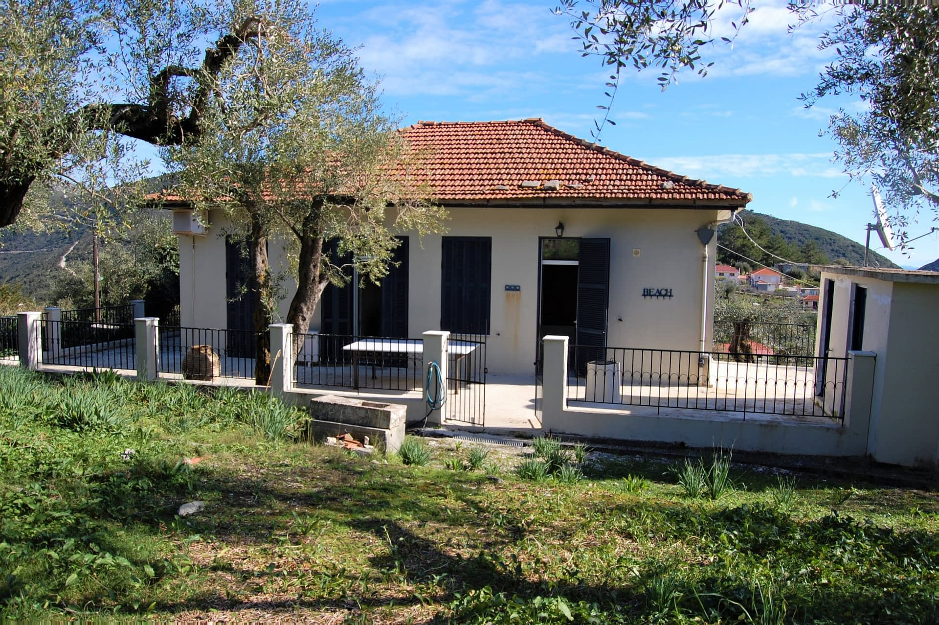 Exterior facade of house for rent Ithaca Greece, Kolleri