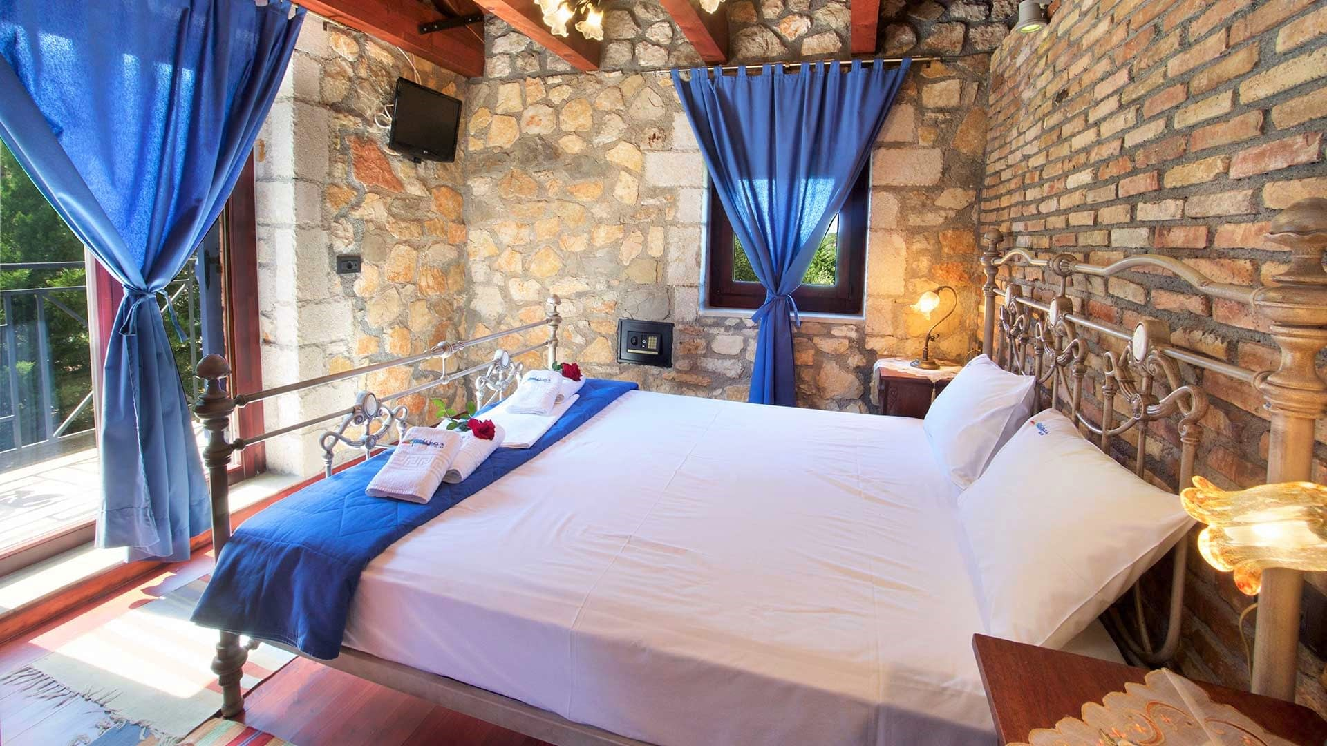 Bedroom of stone villa for rent in Ithaca Greece, Pilikata